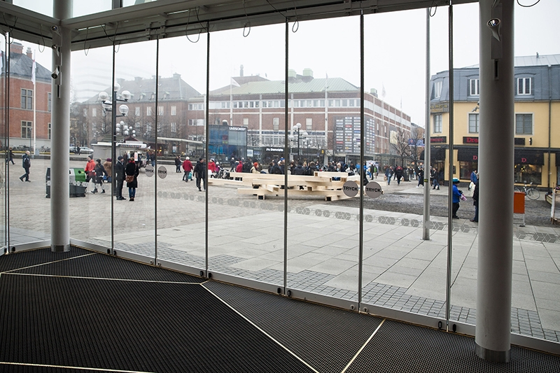 A structure made by students at School of Architecture just after the tearing down of Apberget, seen from the entrance of Utopia